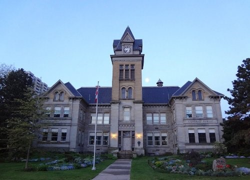 Central School at Hunter and Bay